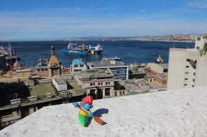 Kajaker im Hafen von Valparaiso