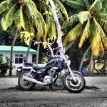 Motorrad auf der Mini-Insel